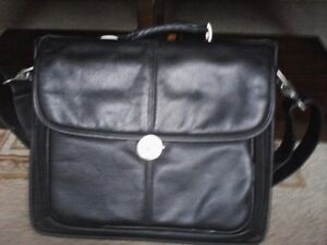 Lap Top Cases,Targus ( new) & Dell is used but good condition) West Island Greater Montréal image 5
