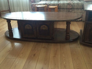 Matching coffee and end table Kitchener / Waterloo Kitchener Area image 1