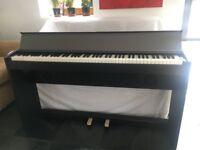 Roland F -100 Digital Piano