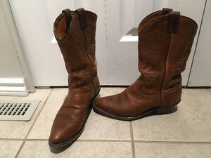 Ladies size 9 western boots /leather