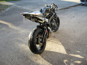 2007 honda cbr-600rr parts bike London Ontario image 6