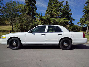 2010 Ford Crown Victoria Police Interceptor - *FRESH SAFETY*