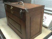 Coffre d'outils antique en chêne (Vintage)