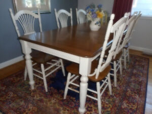 Gorgeous dining room set by Canadel