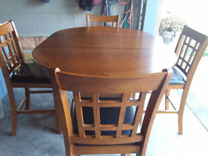 Dining table and chairs Peterborough Peterborough Area image 2
