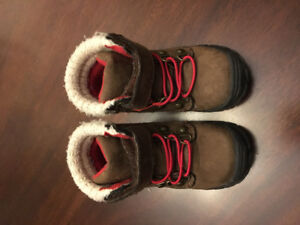 Baby winter boots 6-12 months, like new