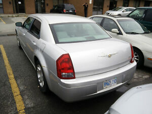 Used  Chrysler 300 Fully Automatic
