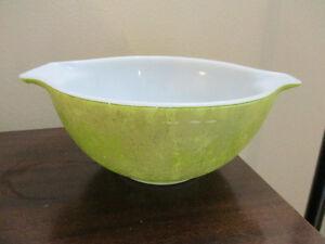 Pyrex Set of 3 Nesting Verde Cinderella Bowls Kitchener / Waterloo Kitchener Area image 2