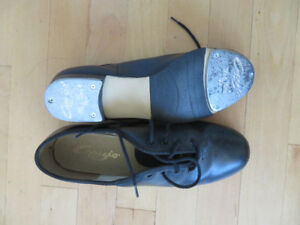Nearly new Ladies Oxford tap shoes