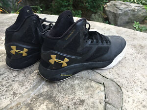 used under armor clutchfit drive 2 basketball shoes Size 6.5