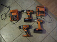 ridgid drillsand impact driver with 2 chargers and 2 baterry 18v