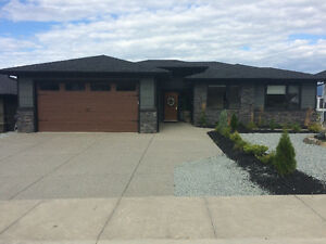 Beautiful custom house (Rancher) on Foothills, Vernon, BC
