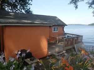 Waterfront cottage with 2 bedrooms for rent