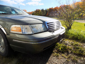 2003 Ford Crown Victoria lx Berline