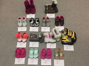 baby girl footwear in very good condition sizes 3,4,5,6 (9-24mo)