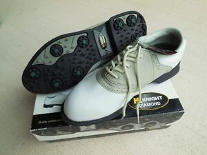 """""""NEW"""" Knight Ladies Golf Shoes - 9 1/2"""