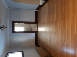 Spacious 3+ bdrm house w/det garage in hydrostone area-h&hw incl