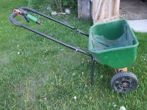 FOR SALE SCOTTS SPEEDY GREEN 3000 SPREADER