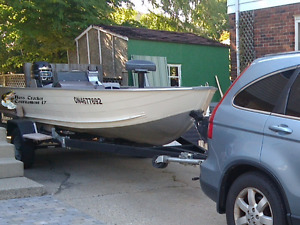Bass Pro Tracker 17 fishing boat