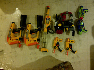 8 Nerf Guns (with bullets)