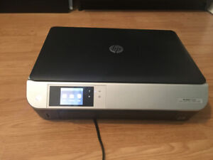 HP Envy 5530 Printer PLUS Two ink 61 XL cartridges