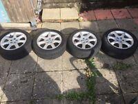"Jaguar 17"" Alloy wheels with 225 50 R17 tyres"