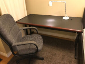 Great quality desk and chair! free delivery