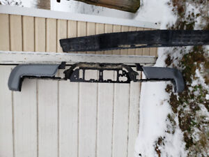2018 Toyota Tacoma rear bumper selling whole as is