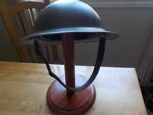 military helmet , antique,  1942 ! Gatineau Ottawa / Gatineau Area image 1