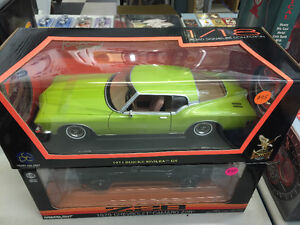 1971 Buick Riviera GS 1/18 scale diecast--new
