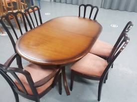FREE DELIVERY - Extendable Dining table and chairs