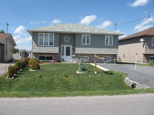 IDEAL STARTER OR RETIREMENT VALLEY HOME + GREAT GARAGE