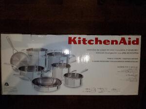 Batterie de cuisine KitchenAid 12 morceaux NEUF