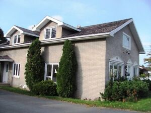 NICE 3 UNIT PROPERTY IN CLAIR