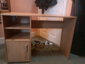 Desk with added headphone stand/usb hub