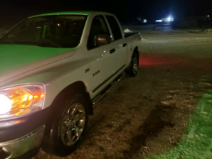 2008 Dodge ram 1500 LOW KM!!