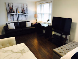 DELUXE STUDIO & 1 BDRM APTS DOWNTOWN CH'TOWN RESERVE FOR SEPT 1