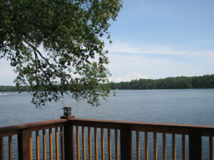 Cottage on the Waterfront avail. Sept 9 - Sept 15