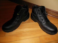 Work boots / shoes BRAND NEW @ $120 +tx - asking $60