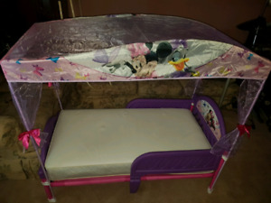 Minnie mouse canopy bed