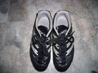 chaussure espadrille ADIDAS soccer - Taille 6.5 - jeunes -