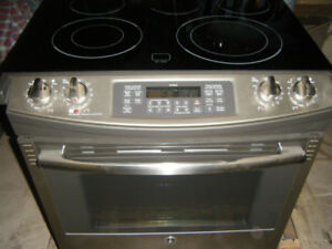 GE 30 Glass CleanDesign Electric Stove range NEW retail 2149+tax