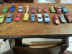 20 VINTAGE TOOTSIE TOY LOT - PRESSED STEEL - CARS TRUCKS