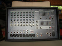 YAMAHA 8 CHANNEL POWERED MIXER