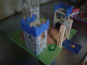 Melissa & Doug Castle and Figures