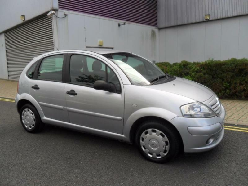 2004 54 citroen c3 1 4 desire silver manual in castleford west yorkshire gumtree. Black Bedroom Furniture Sets. Home Design Ideas