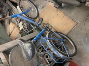 """Folding bike 18"""" wheels as is cleaning the shop"""