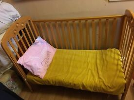 Cot bed / toddler bed convertible
