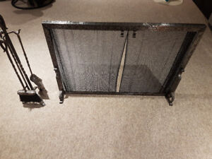 Fireplace screen and tools (Vintage)