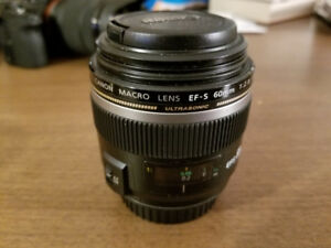 Canon EF-S 1:2.8/60mm lens